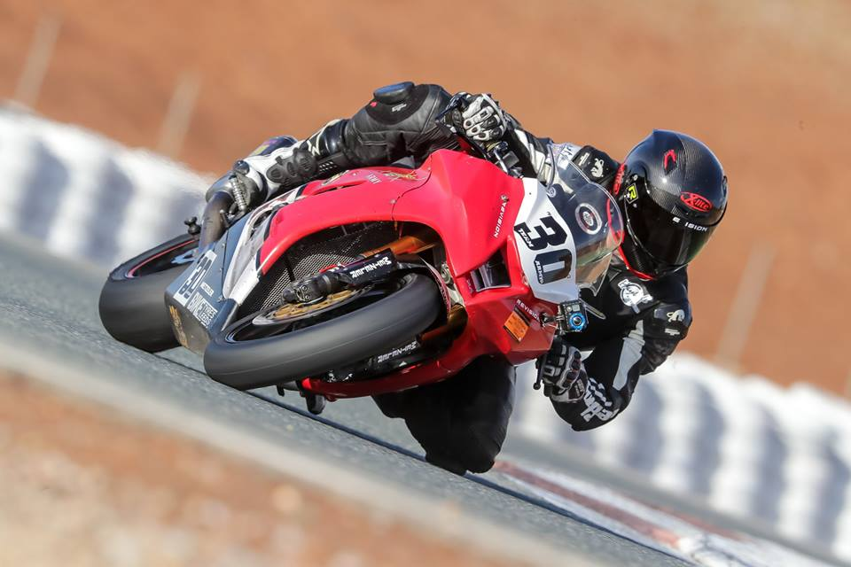 Team Army 3's Darryl Hodder cranked over on his ZX-10 that he will once again campaign in the No Limits Endurance championship...