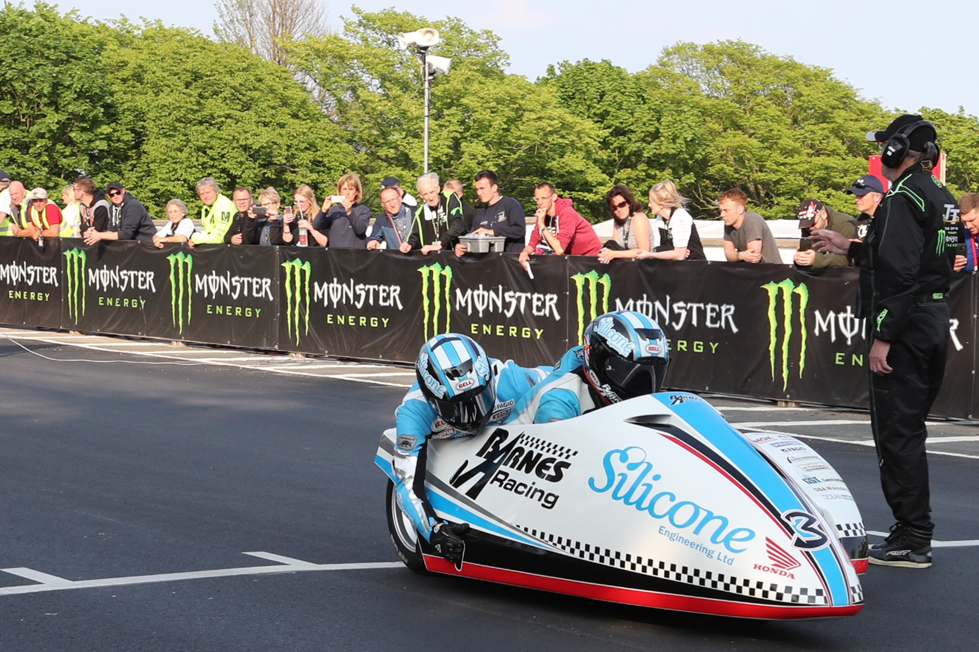 Isle of Man TT: Holden and Cain fastest in opening Sidecar
