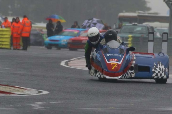F2 Cup leaders Gibson and Moore took full advantage of Sunday's rain to bag their highest overall finish of the season...