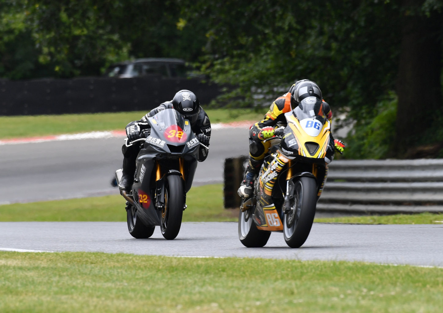 Kelman and Piper dicing for MRO 600 honours...