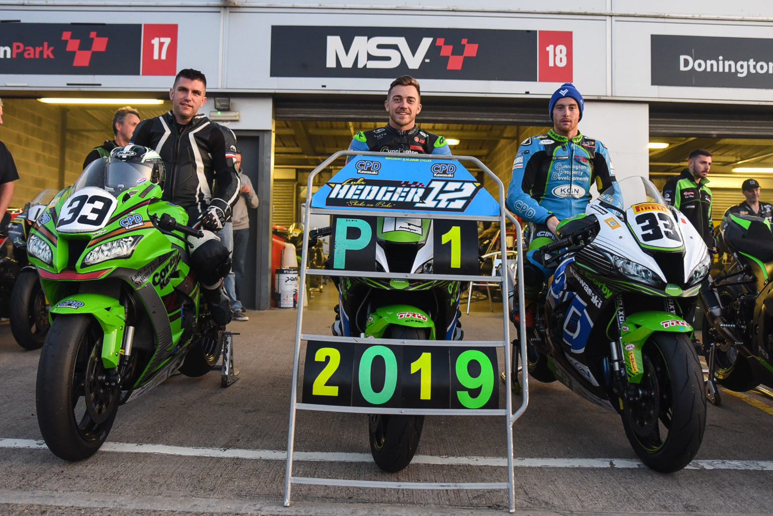 Cunnington held off British Superbike rider Matt Truelove and Supersport regular, brother Harry, to take the win and the title...